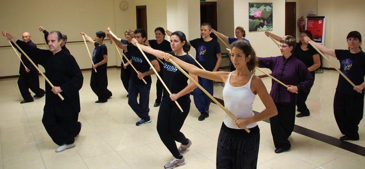 Qi Gong formación con bastón