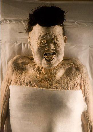 """La momia incorrupta de Xin Zhui (217-168 a.C.) """"La Bella Durmiente de China""""."""