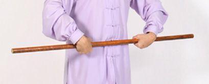 Taiji Yangsheng Zhang rodar el bastón internamente.